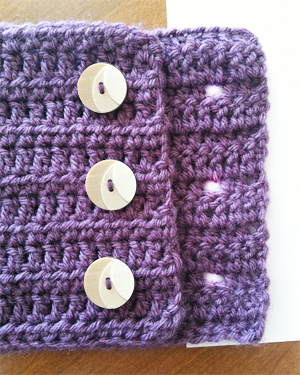 Free Pattern: Button Infinity Crochet Scarf Little ...